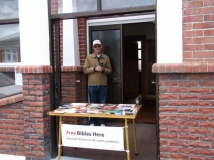 Len Walker with Bible & Tract table - Dec 2010